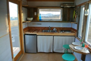 Boulder-by-Rocky-Mountains-Tiny-Homes-3